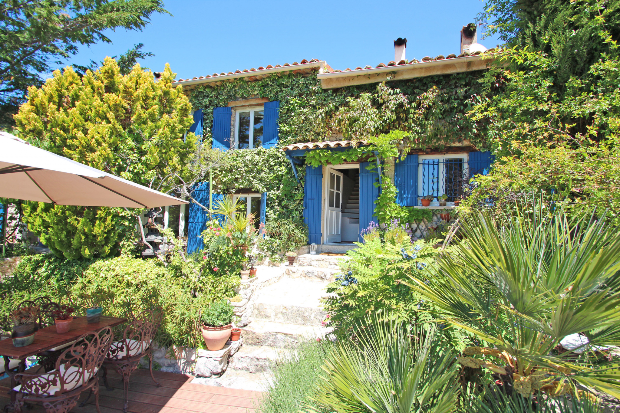 Coursegoules - Charming villa with pool