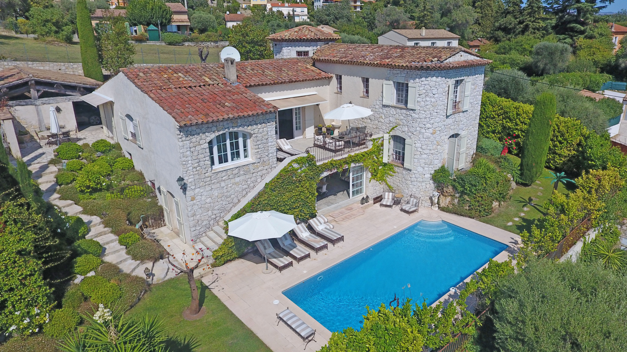 Vence - Villa of 350 m2 with sea view