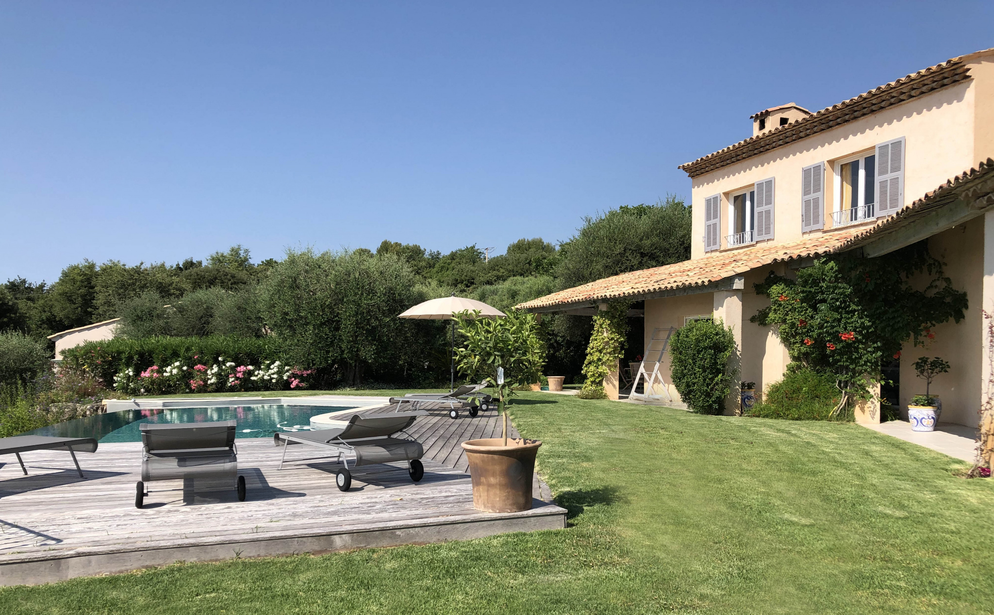 TOURRETTES SUR LOUP - BEAUTIFUL VILLA WITH PANORAMIC VIEW