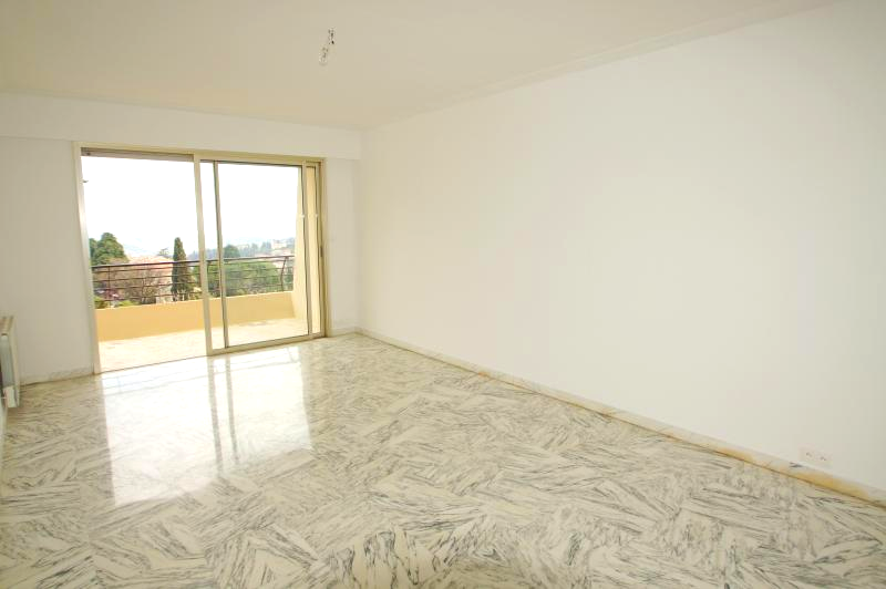 Beautiful 3P apartment on high floor, sea view and ramparts Vençois.