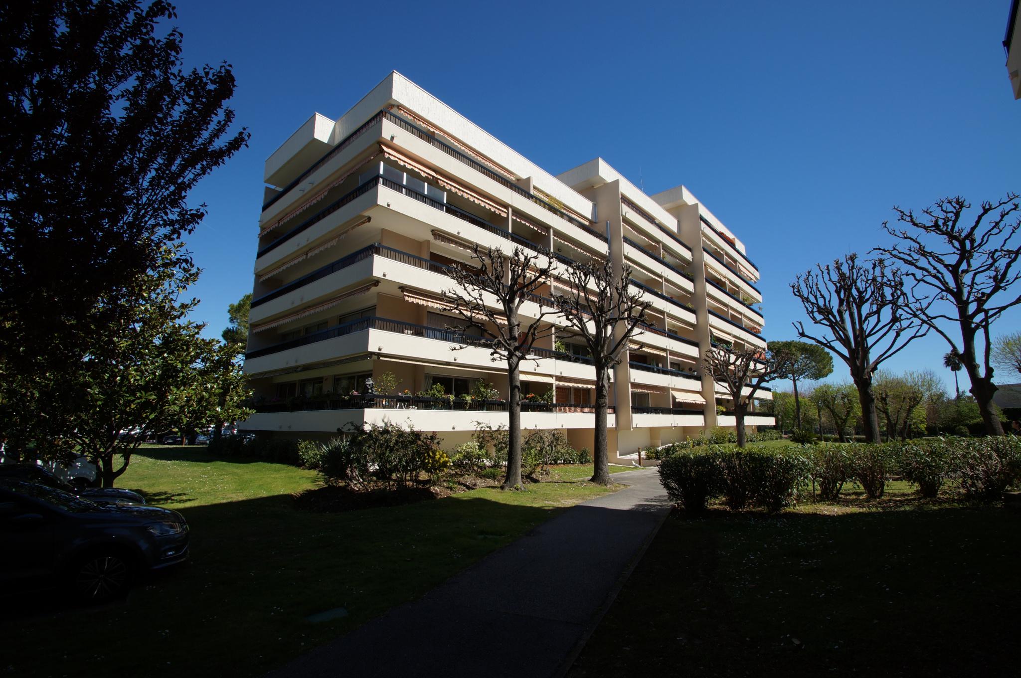 Le Soleil Levant - Bright 3 / 4P apartment of 90m2. Large terrace.
