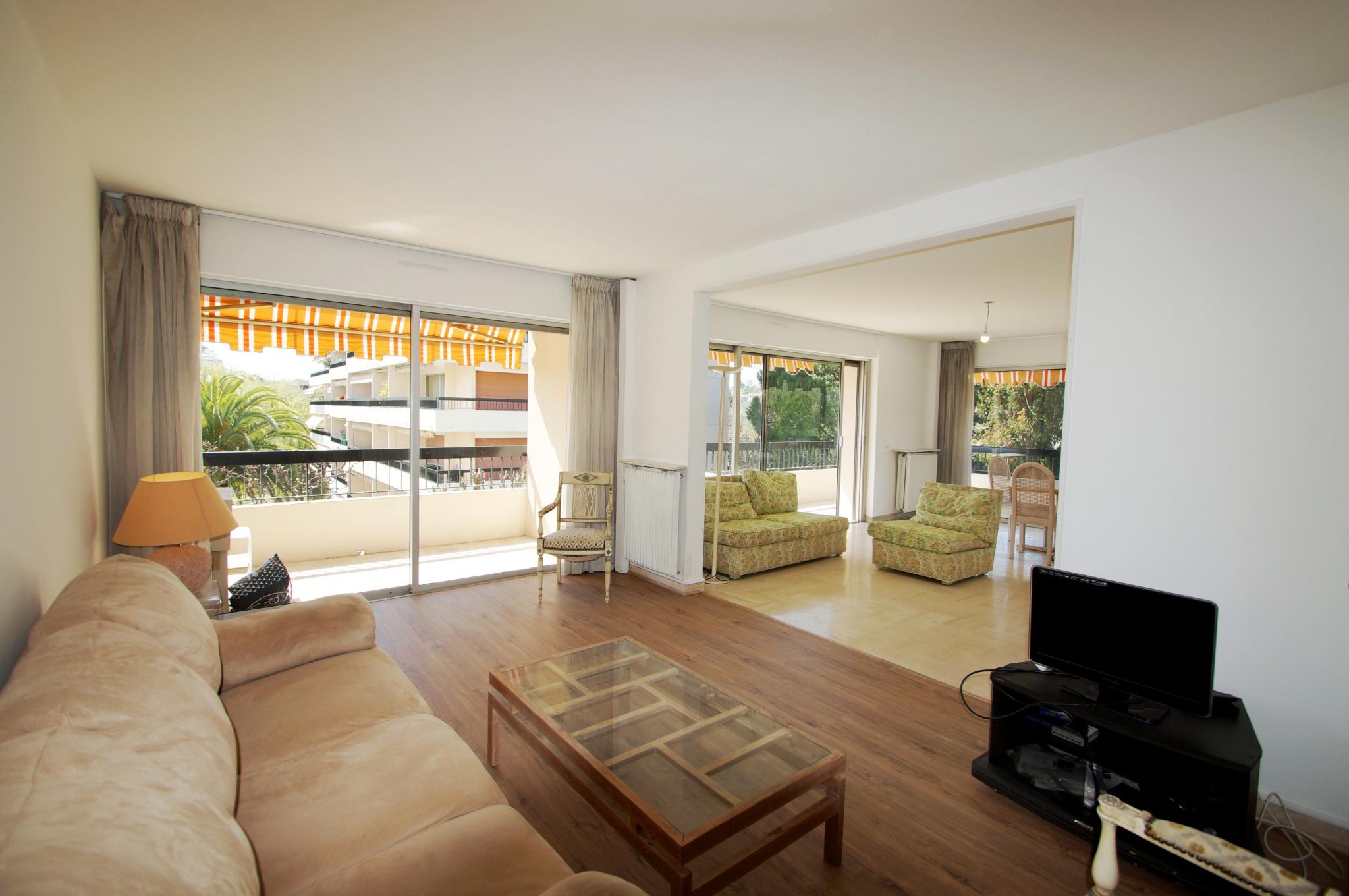 VILLENEUVE LOUBET - NEAR THE SEA - 3 / 4P of 90m2 in a luxury residence