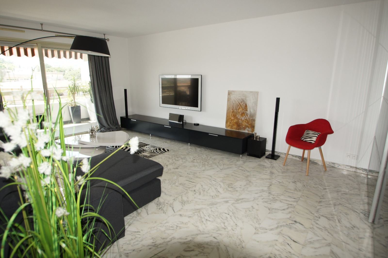 Vence Center, beautiful top floor apartment, very bright, with a beautiful view