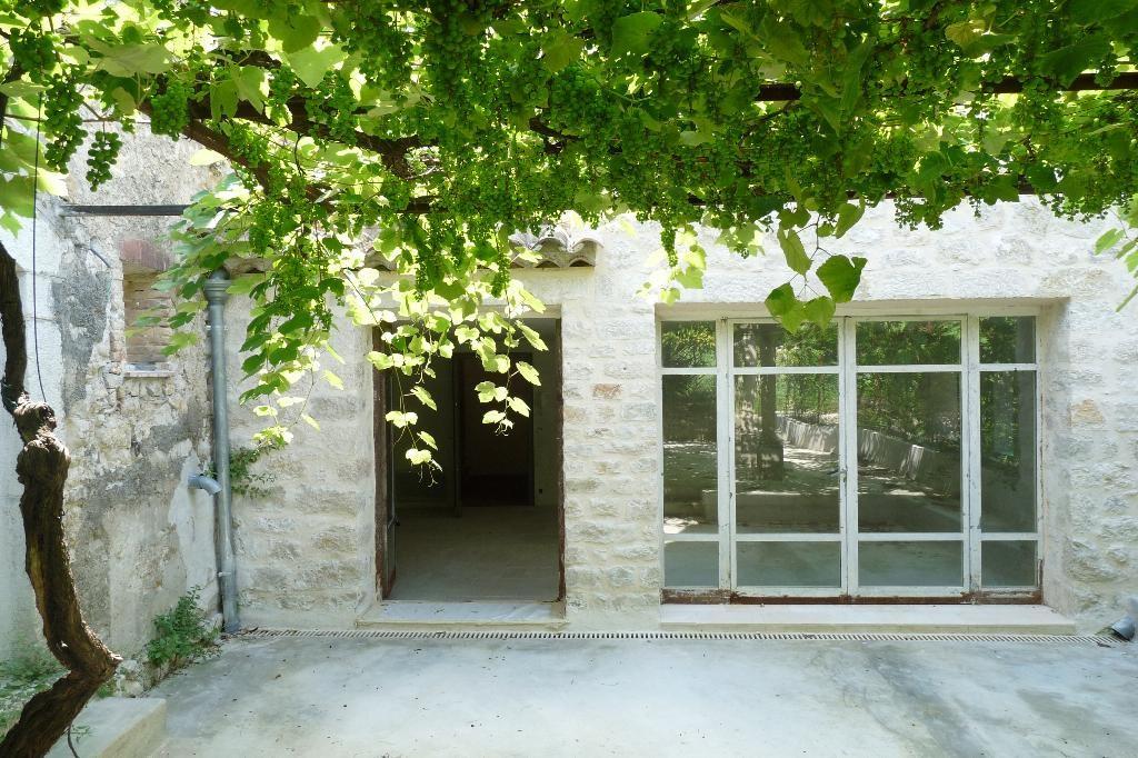 Apartment Stage Garden level, View Garden, General condition New, Kitchen Installed, Heating Separat