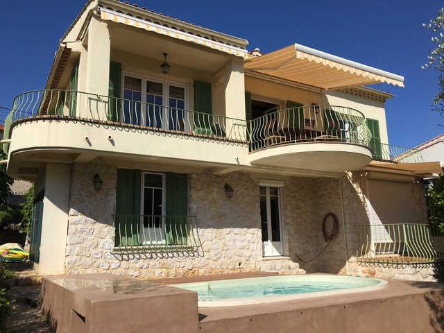 Location sought for this villa perfectly maintained of 115 m2 about