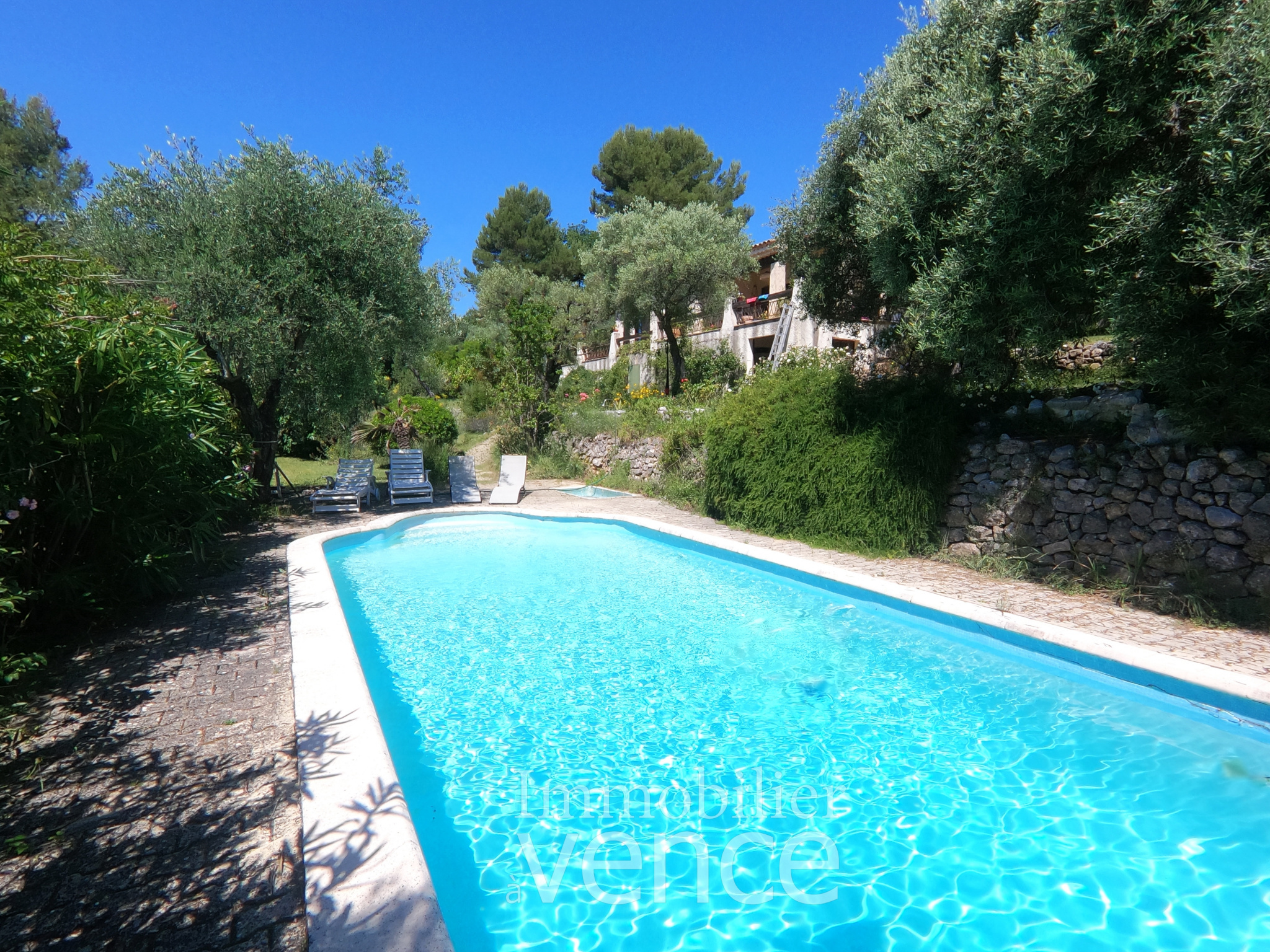 Spacious Provençal Villa, surrounded in a natural environment