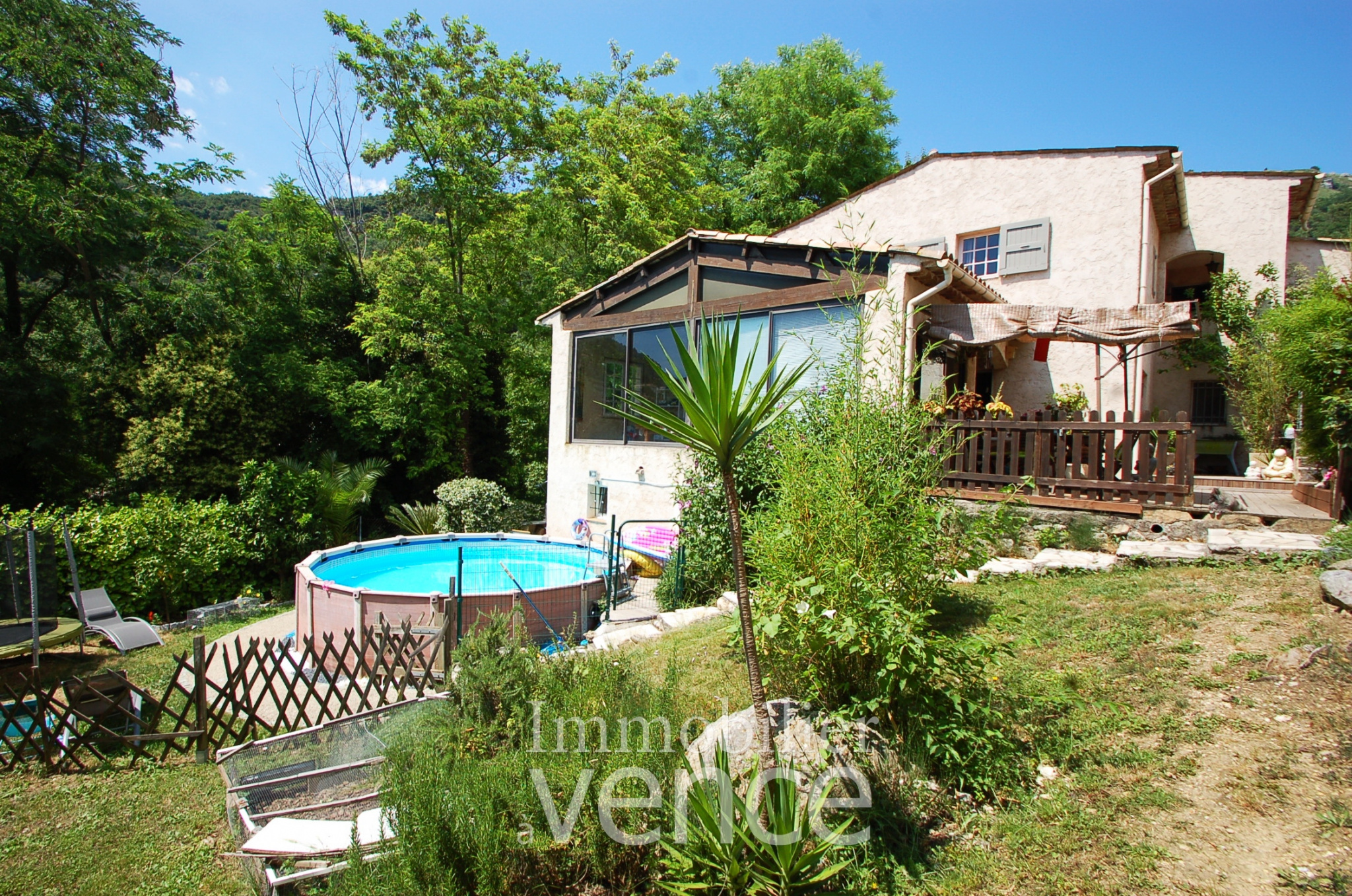 Close to the village a well built provencal villa