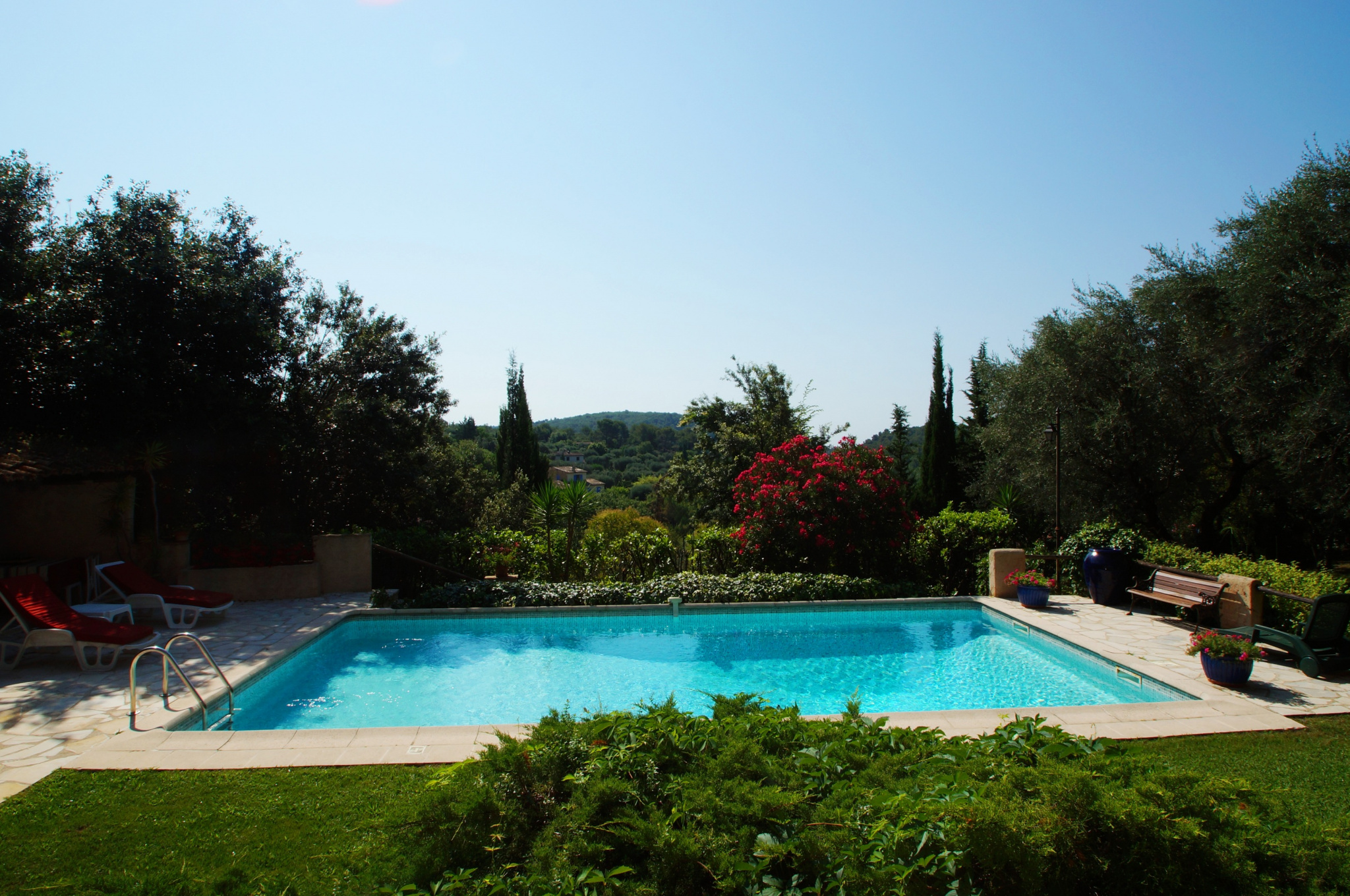 Beautiful Villa of 200 m2  of Tourrettes sur Loup. Swimming pool with pool house